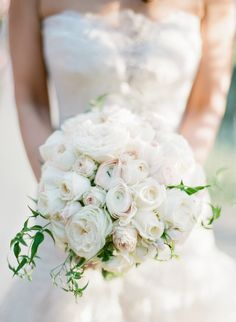 Classic round ranunculus + rose bouquet: Photography : Kevin Chin Photography + Cinema Read More on SMP: http://www.stylemepretty.com/california-weddings/rutherford/2016/06/10/spring-wedding-at-auberge-du-soleil/