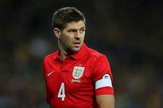 Steven Gerrard es un crack que creo se sumará a la larga lista de jugadores ingleses que merecieron ser campeones del Mundo y no lo lograron.