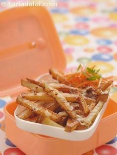 Cheese and herb potato fries, let your child indulge occasionally in this cheesy version of french fries topped with flavoursome mixed herbs. Though it makes a great snack, avoid packing it as a main meal.