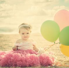 I think this would be a beautiful picture for a first birthday photo shoot!