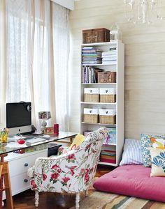as tábuas de madeira que forram a parede do escritório são, na realidade, uma pintura, feita pela artista plástica Brigida de Murtas.