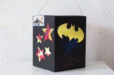 laterne Batman superheld basteln diy Batman, Marvel, Diys, Wonder Woman, Hacks, Home Decor, Lantern, Superheroes, Bricolage
