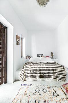 Une chambre sobre d'inspiration marocaine