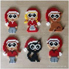 To måneder til juleaften - har I bestilt julerøde perler? Easy Diy Crafts, Crafts For Kids, Hamma Beads Ideas, Tapestry Crochet Patterns, Hama Beads Design, Nativity Crafts, Melting Beads, Macrame Design, Beaded Cross Stitch
