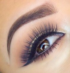 Natural Shadow with Lashes!