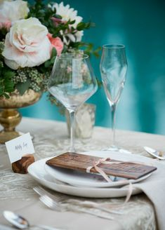 Wood menu by Naturally Chic in collaboration with @AlissaPlush | Place card holder by Naturally Chic | Photo by f8 Photography Inc. #mountainwedding #rusticwedding #woodmenu #woodweddingstationery #emeraldlakelodge