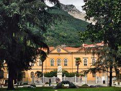 Piazza D'Armi - Carrara - http://www.toomuchtuscany.com/discover-carrara-city-of-marble/