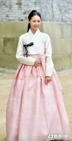 Splendid Politics (Hangul: 화정; hanja: 華政;RR: Hwajeong) is a 2015 South Korean television series starring Cha Seung-won, Lee Yeon-hee,Kim Jae-won, Seo Kang-joon, Han Joo-wan andJo Sung-ha.