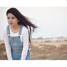 Cute Girl Poses, Cute Girl Pic, Cute Girls, Stylish Girls Photos, Girl Photos, Dps For Girls, Girls Dpz, Love Memes, Pakistani Dresses