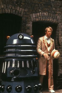 Oct 2018 - Travel back in time and uncover Classic Dr Who. See more ideas about Classic doctor who, Dr who and Doctor who. Dr Who, Doctor Who Convention, Serie Doctor, Fifth Doctor, Peter Davison, Classic Doctor Who, William Hartnell, Bbc Tv Series, Classic Series