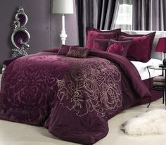 Oversized Floral King Bedding Set Colour Purple With Lamp Table