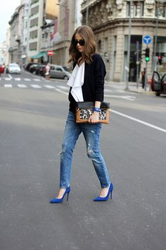Marni (Fashion and style) Outfit Vestido Casual, Casual Day Outfits, Stylish Outfits, Blue Heels Outfit, Blue Shoes, Women's Casual Looks, Smart Casual, Work Fashion, Retro Fashion