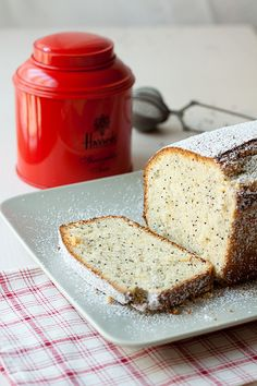 Pound cake de limón y semillas de amapola by living in autumn
