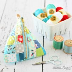 Patchwork Zipper pouch. This bag is perfect for smaller scraps!