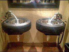 Que tal lavar as mãos assim???