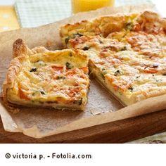 Ein gesundes Mittagessen sollte nicht nur nahrhaft und ausgewogen sein, sondern den Kindern auch schmecken. Probiert doch diese Karotten-Pizza aus. Sie ist lecker und gesund.