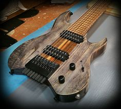 Kiesel Guitars Carvin Guitars V8 Ash body in antique ash treatment, black limba…