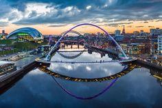 Города Англии. Ньюкасл. | АнглияДом | Яндекс Дзен Sage Gateshead, Newcastle Gateshead, Travel Pictures, Travel Photos, Newcastle Quayside, Millennium Bridge, Going On Holiday, Lonely Planet, Italy Travel