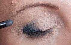 Body Language, Smokey Eye, Bronzer, Beauty Hacks, Beauty Tips, Medium Hair Styles, Hair Beauty, Make Up, Sephora