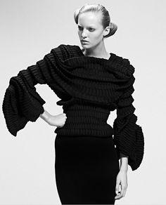 Sculptural Fashion - layers, texture, shape & volume - 3D knitwear; wearable art // Sandra Backlund