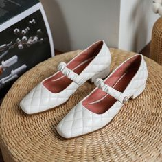 Shoes Heels Pumps, Low Heels, Pretty Shoes, Toe Shape, Comfortable Shoes, Loafers, Footwear, Shoe Shoe, Thesis