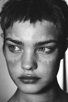 Natalia Vodianova at the backstage of Yohji Yamamoto FW 2002, edit by aphoticsouls