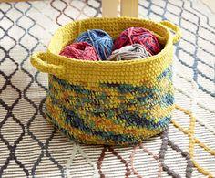Dip Edge Striped Crochet Basket in Bernat Blanket FREE Crochet Pattern for Beginners - Downloadable PDF