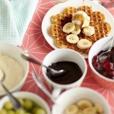 Vohvelit   Meillä kotona Chocolate Fondue, Waffles, Cereal, Deserts, Food And Drink, Baking, Breakfast, House Cafe, Drinks