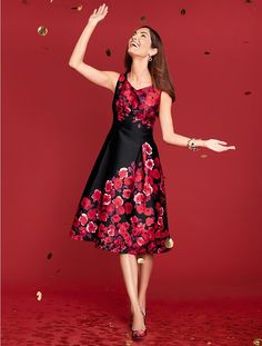 The holiday dress of the season! You'll be dressed to impress in this elegant, pleated fit & flare dress.