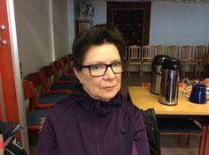 Anneli Salminen pitää huolta Juvan terveyskeskuksen siisteydestä.