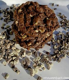 Chocolate Andes Mint Cookies - Oh Sweet Basil Delicious Cookie Recipes, Best Cookie Recipes, Yummy Cookies, Andes Mint Cupcakes, Andes Mint Cookies, Galletas Cookies, Cupcake Cookies, Chip Cookies, Mint Chocolate
