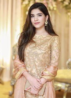 Walima Dress, Pakistani Formal Dresses, Pakistani Dress Design, Pakistani Outfits, Indian Dresses, Indian Suits, Bridal Outfits, Bridal Dresses, Eid Dresses