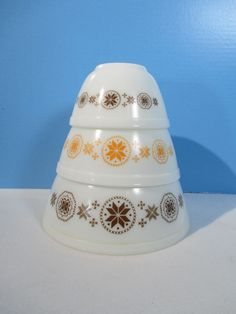 Pyrex Mixing Bowls Stacking Set of 3 Town and Country Dutch Stars Yellow Brown #Pyrex