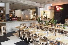 Restaurant Visit: Communal Tables and Biodynamic Wines at Rawduck in Hackney - Remodelista Sisters Restaurant, Cafe Restaurant, Restaurant Interiors, Best Brunch Places, London Fields, Communal Table, Cafe Style, London Restaurants, Cafe Interior