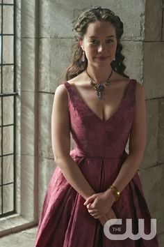 """Reign -- """"Forbidden"""" -- Image Number: -- Pictured: Anna Popplewell as Lola -- Photo: Sven Frenzel/The CW -- © 2015 The CW Network, LLC. All rights reservedp Lola Reign, Reign Mary, Anna Popplewell, Reign Season 2, Season 3, Reign Serie, Marie Stuart, Susan Pevensie, Reign Tv Show"""