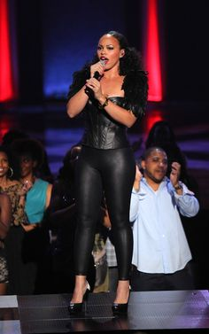 Elle Varner Photo - Soul Train Awards 2012 - Show HOT! #fashionenvy #skinnybeeps