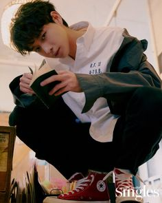The Singles pictorial of actor Kim Young-dae, who played Oh Nam-joo in the recently ended MBC drama 'Extraordinary You', has been released. Kim Young, Mbc Drama, Ideal Boyfriend, Park Bo Gum, Handsome Korean Actors, Jung Hyun, Korea Boy, Fantasy Romance, Kdrama Actors
