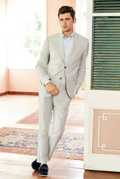 Cream Cotton Skinny Fit Suit: perfect for the summer.