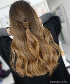 Pretty Hair Color, Hair Color Shades, Brown Blonde Hair, Grunge Hair, Stylish Hair, How To Make Hair, Pretty Hairstyles, Hair Trends, New Hair
