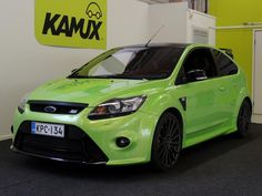 FORD Focus 2,5T 305 hv RS M6 3-ovinen