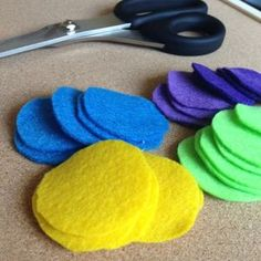 How to make felt flowers | Guidecentral