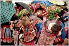 Hmong women and babies