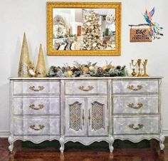 Excited to share this item from my shop: Ornate Gold/Vintage Sideboard/Vintage Buffet/ Entryway Furniture/Large French Provincial/Painted Furniture/Buffet/Dresser/Sideboard Vintage Buffet, Vintage Sideboard, Vintage Furniture, Painting Old Furniture, Painted Furniture, Home Design, Retro Vintage, Find My Passion, Dixie Belle Paint