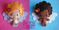 Sara Lago Complementos-Angelitos. Estos broches los he hecho con fieltro y están pintados con pintura para tela. En el pelo llevan un pequeño corazón que híce con fimo.