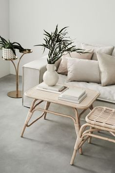 Its singular Living Room Design makes it increasingly steady and fashionable at exactly the same moment. The whole interior design appears much bigger when there's a reflection created. Decor, Table, Furniture, Living Room Designs, Interior, Scandinavian Interior, House Interior, Coffee Table, Living Room Furniture