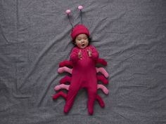 22 cute and easy Halloween costumes for babies - Today's Parent Easy Halloween Costumes, Diy Halloween Decorations, Halloween 2020, Halloween Diy, Halloween Stuff, Costume Ideas, Baby Halloween Outfits, Baby First Halloween, Pumpkin Halloween Costume