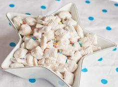 Yum... I'd Pinch That! | Cake Batter Puppy Chow