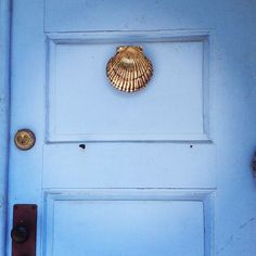 Superbe Cornflower Blue Front Door With A Gold Mermaid Shell Knocker. Door Of  Dreams.