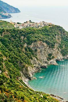Hiking the Cinque Terre above Corniglia   Flickr - Photo Sharing!