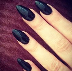 Want your stiletto nails to look fabulous? Try some black stiletto nails and get inspiration and ideas from our range of black stiletto nail designs and art Get Nails, Love Nails, How To Do Nails, Pretty Nails, Hair And Nails, Black Stiletto Nails, Nail Black, Pointed Nails, Black Polish